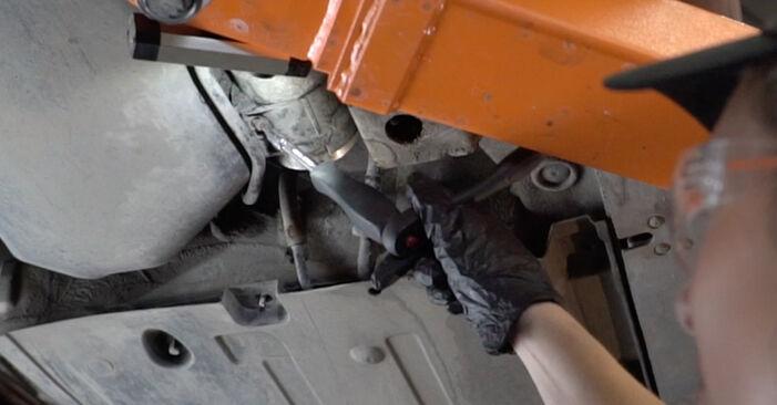 Kui keeruline on seda iseseisvalt teha: vahetada välja Audi A4 B7 Sedaan 2.0 TFSI 2005 Kütusefilter - laadige alla illustreeritud juhend