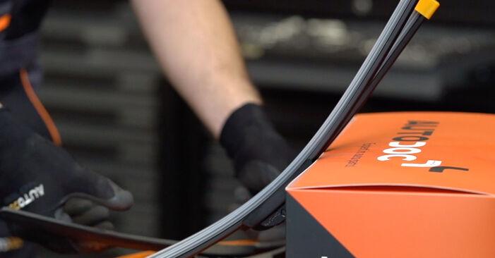 Cómo reemplazar Escobillas de Limpiaparabrisas en un OPEL Astra G CC (T98) 1.6 16V (F08, F48) 1999 - manuales paso a paso y guías en video