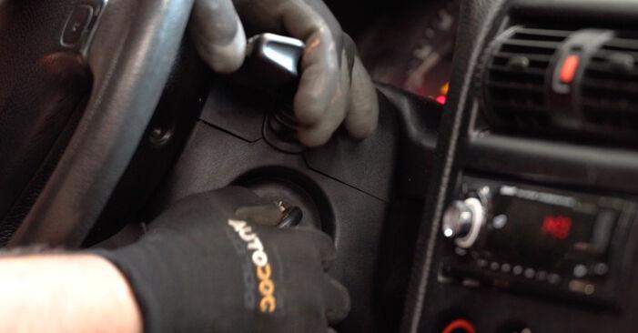 Cómo reemplazar Escobillas de Limpiaparabrisas en un OPEL Astra G CC (T98) 2003: descargue manuales en PDF e instrucciones en video
