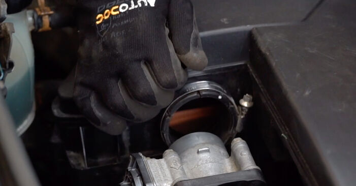 How to remove RENAULT KANGOO 1.2 16V 2001 Spark Plug - online easy-to-follow instructions