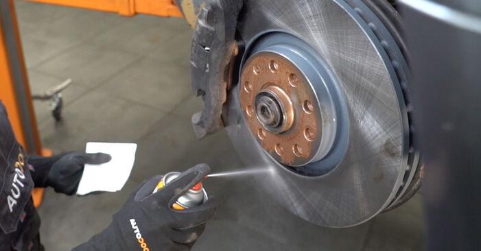 Wie AUDI A4 2.0 2008 Bremsscheiben ausbauen - Einfach zu verstehende Anleitungen online