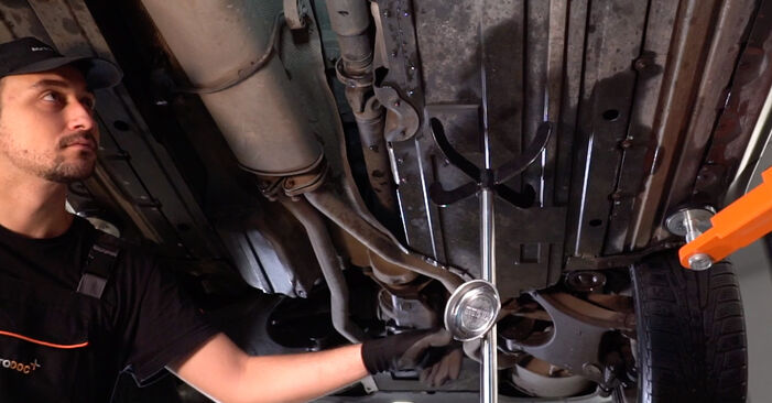 Changing Fuel Filter on BMW X5 (E53) 4.6 is 2003 by yourself