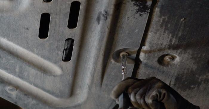 Wie man Kraftstofffilter beim BMW 3 Limousine (E90) 2011 auswechselt – Downloaden Sie sich PDF-Tutorials und Videoanleitungen herunter