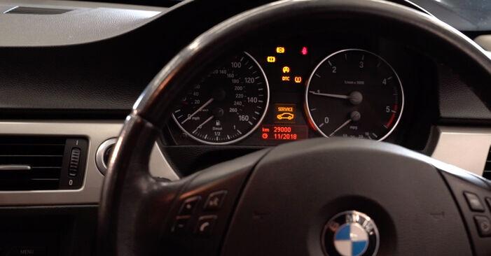 BMW 3 SERIES 2007 Kraftstofffilter Stufenweise Anleitung zum Austausch