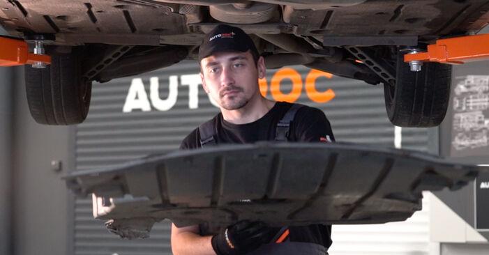 Wie schmierig ist es, selber zu reparieren: Ölfilter beim BMW E90 325d 3.0 2009 wechseln – Downloaden Sie sich Bildanleitungen
