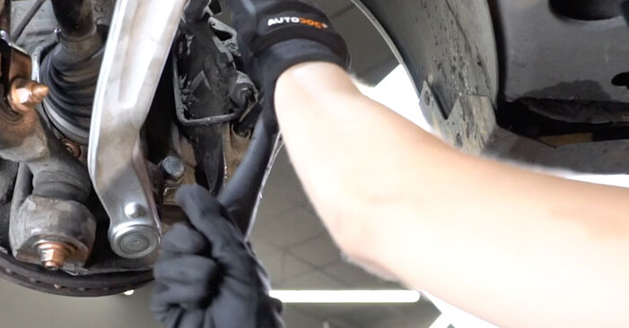 AUDI A4 3.0 TDI quattro Brake Pads replacement: online guides and video tutorials