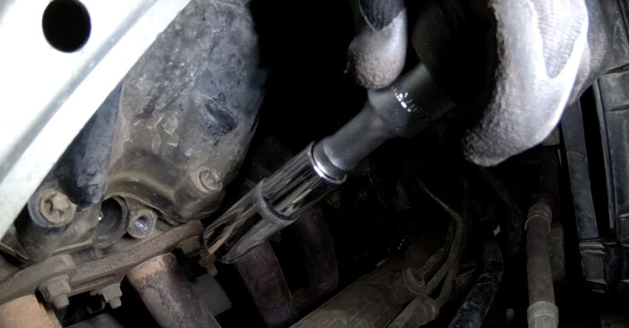How to remove MERCEDES-BENZ A-CLASS A 190 1.9 (168.032, 168.132) 2001 Spark Plug - online easy-to-follow instructions