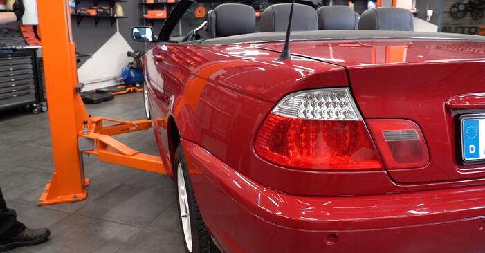 Kraftstofffilter BMW e46 Cabrio 325Ci 2.5 2000 wechseln: Kostenlose Reparaturhandbücher