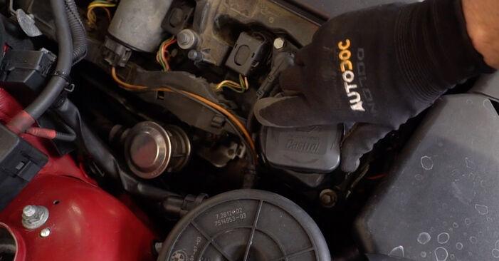 Tausch Tutorial Zündkerzen am BMW 3 Cabrio (E46) 2002 wechselt - Tipps und Tricks