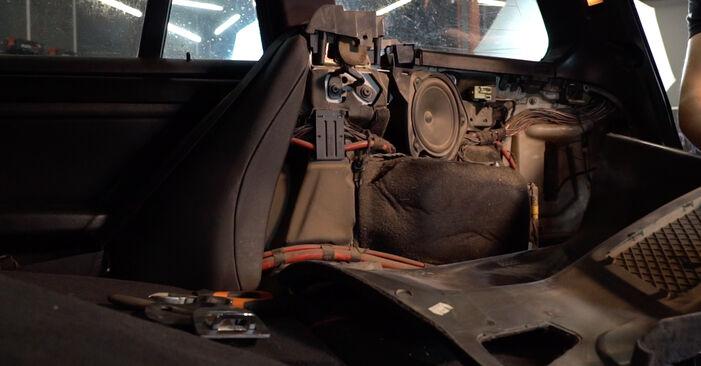 Recommandations étape par étape pour remplacer soi-même BMW 3 Touring (E46) 2003 330d 3.0 Amortisseurs