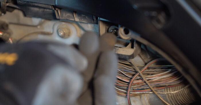 Tausch Tutorial Stoßdämpfer am BMW 3 Touring (E46) 2002 wechselt - Tipps und Tricks