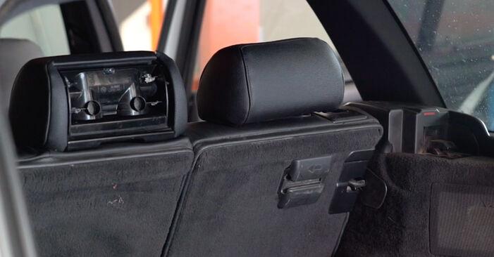 Wie BMW 3 SERIES 330d 3.0 2002 Stoßdämpfer ausbauen - Einfach zu verstehende Anleitungen online