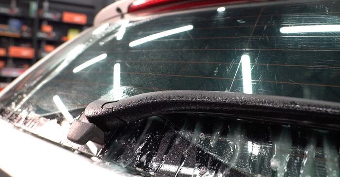 BMW 3 SERIES 320d 2.0 Scheibenwischer ausbauen: Anweisungen und Video-Tutorials online