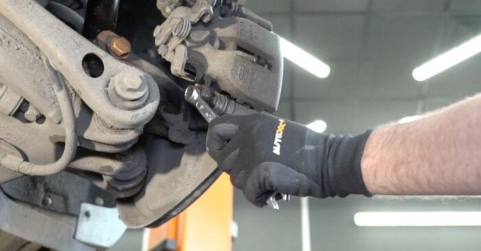 AUDI A4 2.0 TDI 16V Bremsscheiben ausbauen: Anweisungen und Video-Tutorials online