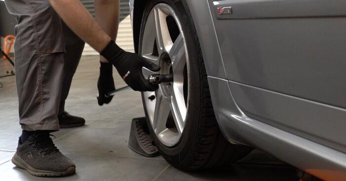 Bremsscheiben Audi A4 B7 Limousine 2.0 TDI 2006 wechseln: Kostenlose Reparaturhandbücher
