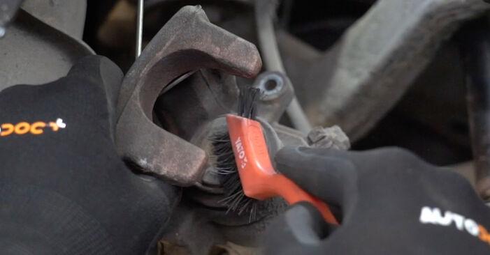 Bremsbeläge Audi A4 B7 Limousine 2.0 TDI 2006 wechseln: Kostenlose Reparaturhandbücher