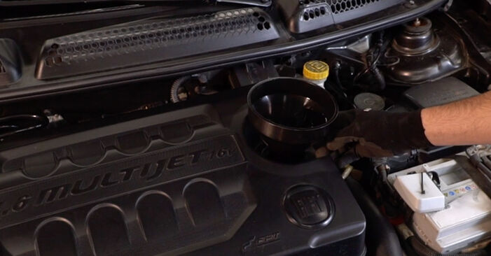 How to change Oil Filter on FIAT BRAVO II (198) 2018 - tips and tricks