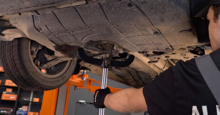 How to remove FIAT BRAVA 1.4 LPG 2010 Oil Filter - online easy-to-follow instructions
