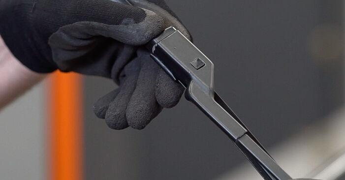 Comment retirer FIAT BRAVA 1.4 LPG 2010 Essuie-Glaces - instructions en ligne faciles à suivre