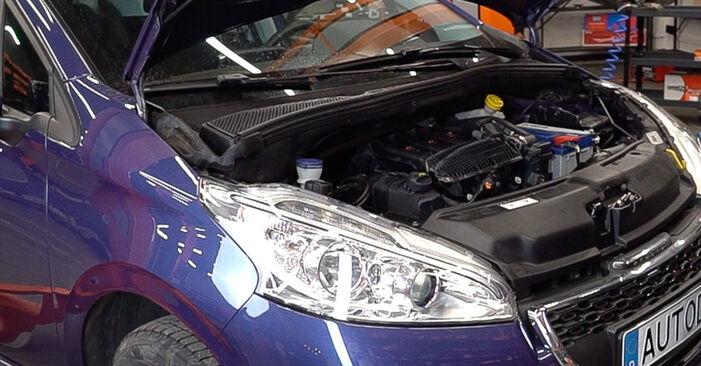 Wie Zündkerzen Peugeot 208 1 1.4 HDi 2012 tauschen - Kostenlose PDF- und Videoanleitungen