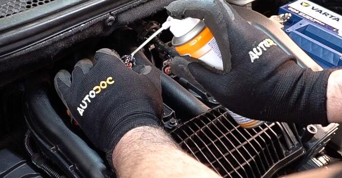 Recommandations étape par étape pour remplacer soi-même Peugeot 208 1 2015 1.0 Bougies d'Allumage
