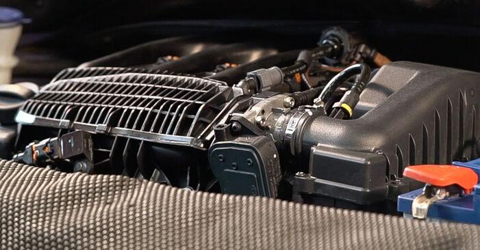 Comment changer Bougies d'Allumage sur Peugeot 208 1 2012 - Manuels PDF et vidéo gratuits