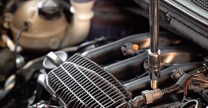 Zündkerzen Ihres Peugeot 208 1 1.6 2020 selbst Wechsel - Gratis Tutorial