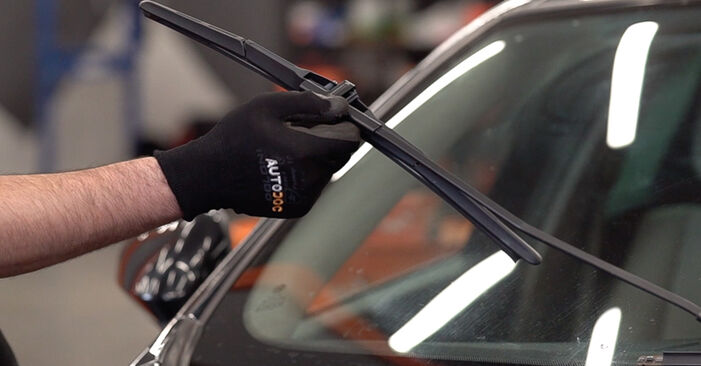 How to replace ALFA ROMEO 159 Sportwagon (939) 1.9 JTDM 16V 2006 Wiper Blades - step-by-step manuals and video guides