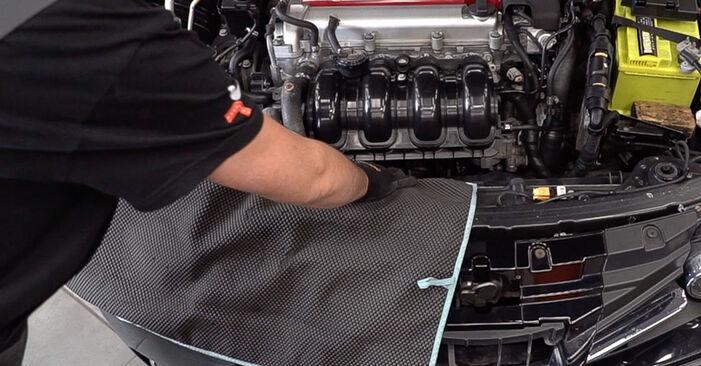 Πώς να αντικαταστήσετε ALFA ROMEO 159 Sportwagon (939) 1.9 JTDM 16V 2006 Μπουζί - εγχειρίδια βήμα προς βήμα και οδηγοί βίντεο
