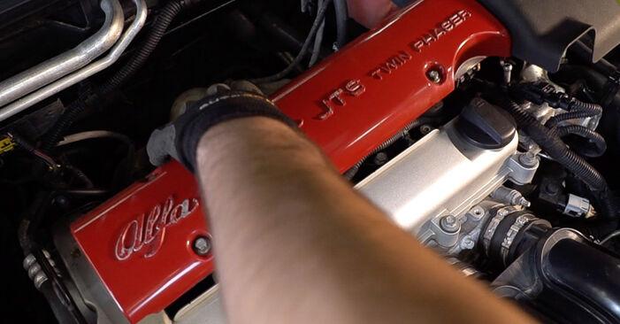 Wechseln Zündkerzen am ALFA ROMEO 159 Sportwagon (939) 1.9 JTDM 8V 2008 selber