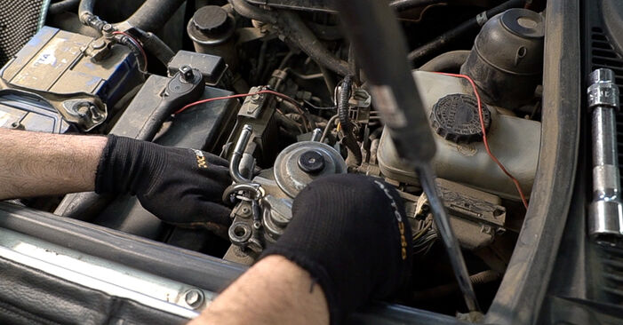 LAND CRUISER (KDJ12_, GRJ12_) 3.0 D-4D 2006 Fuel Filter DIY replacement workshop manual