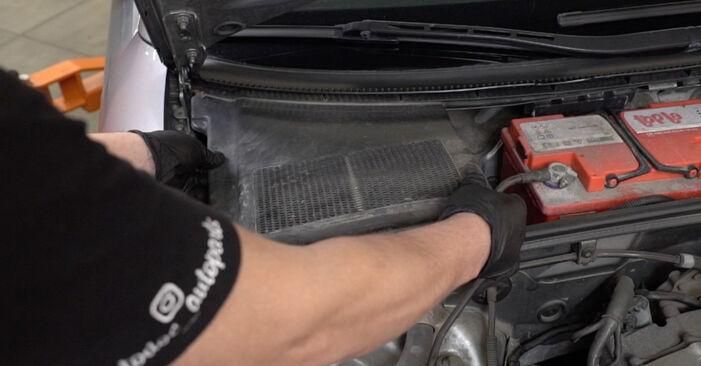 Federn Audi A4 B7 Limousine 2.0 TDI 2006 wechseln: Kostenlose Reparaturhandbücher