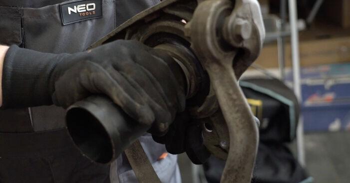 Wie schwer ist es, selbst zu reparieren: Federn Audi A4 B7 Limousine 2.0 TFSI 2005 Tausch - Downloaden Sie sich illustrierte Anleitungen