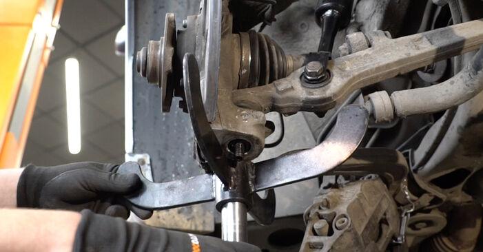 Radlager Audi A4 B7 Limousine 2.0 TDI 2006 wechseln: Kostenlose Reparaturhandbücher
