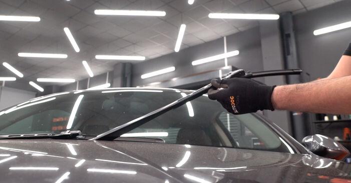 Wie Scheibenwischer BMW 3 Coupe (E92) 320d 2.0 2005 austauschen - Schrittweise Handbücher und Videoanleitungen