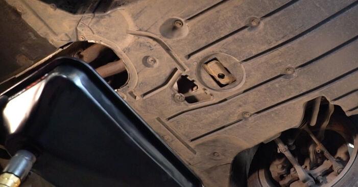 Austauschen Anleitung Ölfilter am BMW E92 2001 335i 3.0 selbst