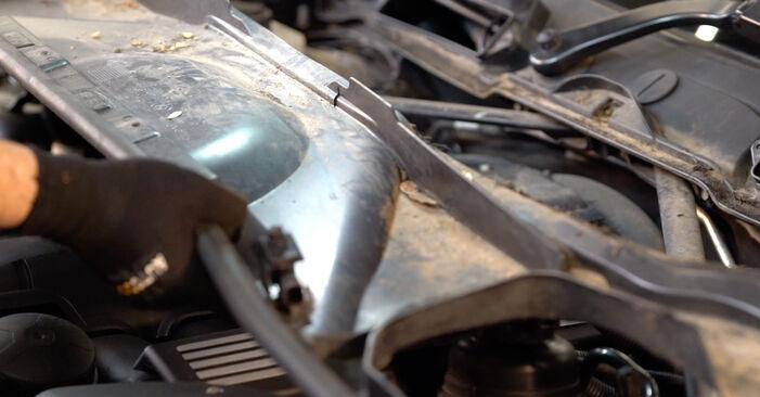 Tauschen Sie Zündkerzen beim BMW E92 2001 335i 3.0 selber aus