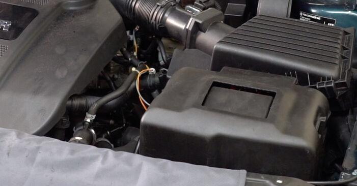 Hvordan man fjerner VW GOLF 1.8 T 2001 Tændrør - nem at følge online instruktioner