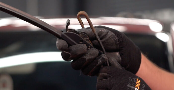 How to replace NISSAN LEAF Elektrik 2011 Wiper Blades - step-by-step manuals and video guides