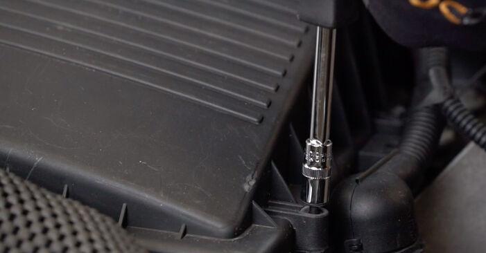 Changer Filtre à Air sur MINI 3/5 portes (R50, R53) 1.4 D One 2004 par vous-même