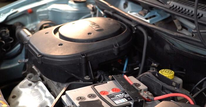 Ako dlho trvá výmena: Zapalovacia sviečka na aute Fiat Punto 188 2007 – informačný PDF návod
