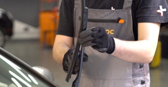 Audi A6 4f2 2.0 TDI 2006 Valytuvo gumelė keitimas: nemokamos remonto instrukcijos