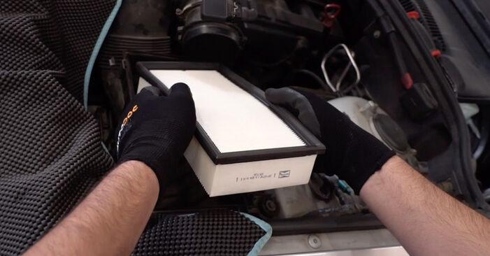 Combien de temps dure le remplacement : Filtre à Air sur BMW E53 2000 - manuel PDF informatif