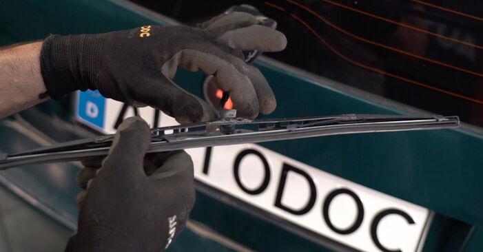 Wie Scheibenwischer VW PASSAT Variant (3B6) 1.8 T 20V 1998 austauschen - Schrittweise Handbücher und Videoanleitungen