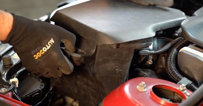 Kā nomainīt Gaisa filtrs BMW 3 Cabrio (E46) 2003 - lejupielādējiet PDF rokasgrāmatas un video instrukcijas