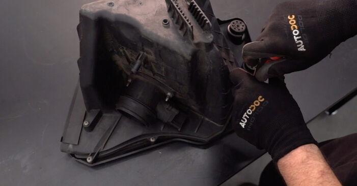 BMW 3 SERIES 2005 Gaisa filtrs pakāpeniska nomaiņas rokasgrāmata
