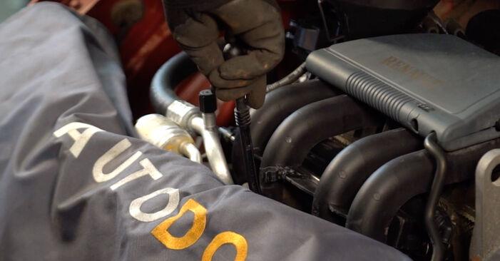 RENAULT TWINGO 2000 Oliefilter stapsgewijze handleiding voor vervanging