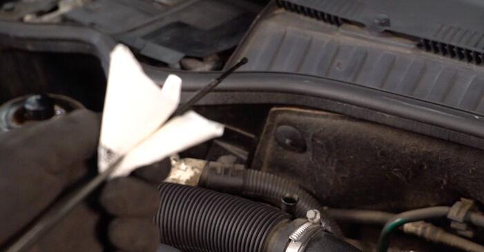 OPEL Corsa C Hatchback (X01) 1.2 (F08, F68) 2001 Olajszűrő csere – minden lépést tartalmazó leírások és videó-útmutatók