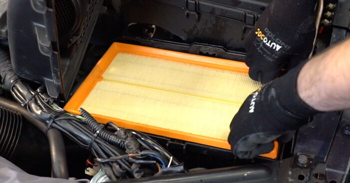 VOLVO V70 2.4 D5 Air Filter replacement: online guides and video tutorials