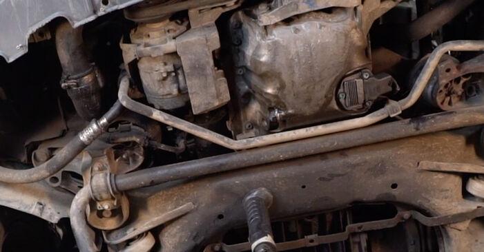 Стъпка по стъпка препоруки за самостоятелна смяна на Audi A4 B6 Avant 2003 2.5 TDI Маслен филтър